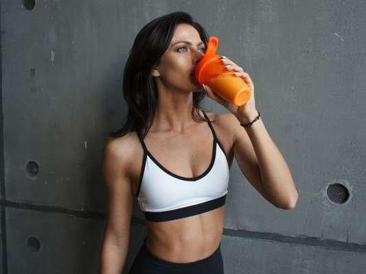 Whey protein, creatina ou BCAA? Nutri explica benefícios de suplementos na dieta